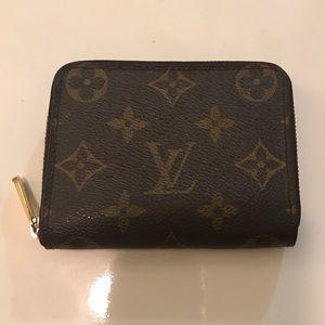 Louis Vuitton zippy coin purse!